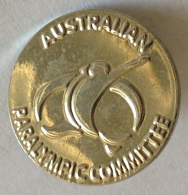 Australian Paralympic Committee Olympics Pin Badge Rare Vintage (F3)
