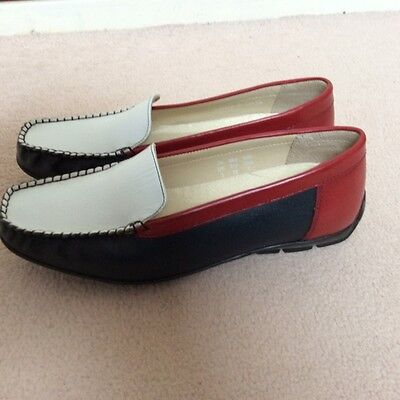 Ladies Multi Fit  Loafers Size 5 Brand New