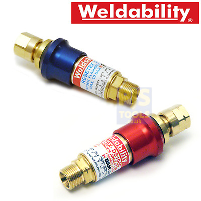 Flashback arrestor resettable reset oxygen or acetylene propane fuel welding gas