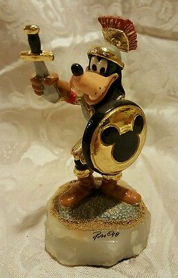 RARE RON LEE DISNEY GOOFY 42/2500 Knight, gold shield. very cool