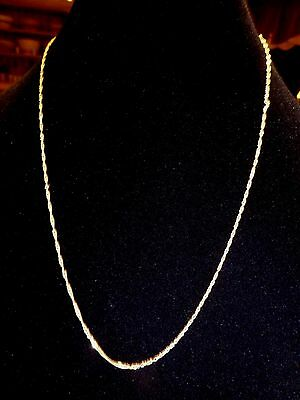 10 K Yellow Gold Flat Link Necklace 24 inches