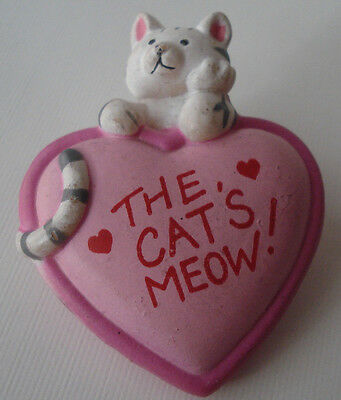 The Cats Meow White/Gray Tabby Kitty Kitten Pink Heart Cute Pin Brooch Fun World