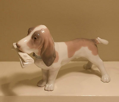 Lladro Basset Dog 'Morning Delivery' # 6398 Retired