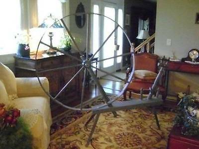 Beautiful Antique Vintage Spinning Wheel ~ Gorgeous!!!