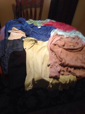 lot of maternity clothes Large 3 Pants 7 Tops