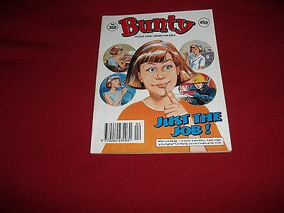BUNTY  PICTURE STORY LIBRARY BOOK - from the 1990's -  never been read