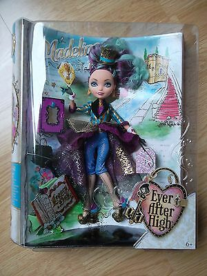 Ever After High: Madeline Hatter Legacy Day neuf