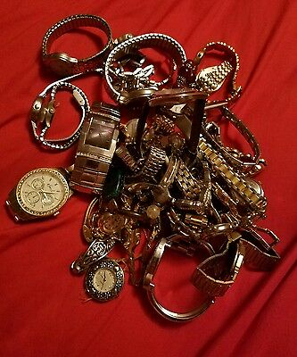 lot of 30+ watches non working may just need batteries