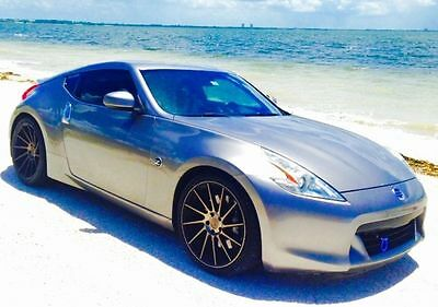 Nissan: 370Z 2009 Nissan 370Z Base Coupe 2-Door 3.7L