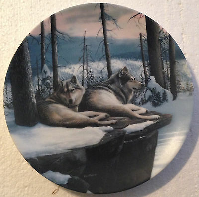 COLLECTABLE WOLF PLATE 8 1/4 INCHES - TWILIGHT FRIENDS by KEVIN DANIAL- BRADEX