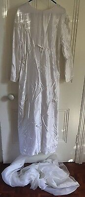 Vintage  1960s Wedding Dress With Train