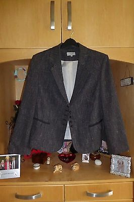 M&s Suit - Jacket 20 - Skirt 18 - Lovely Condition