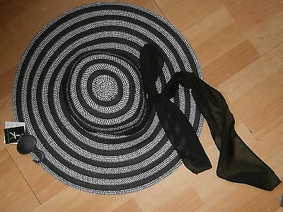 ladies hat black and white new with tags