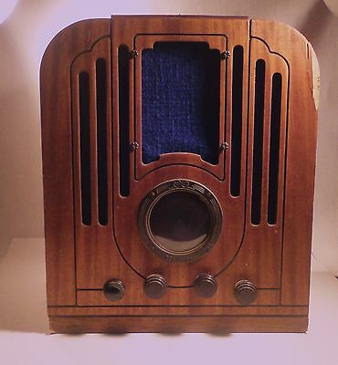 Antique Wood Cabnet RCA Victor Tube Radio