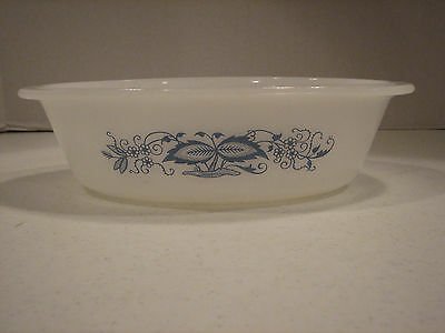 Glasbake 1 Quart Oval casserole Dish Old Town Blue Onion Blossom Flower J235