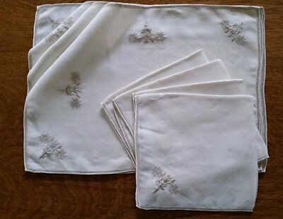 Antique Linen Place Mats & Napkins 4 Of Each~Beautiful Embroidery