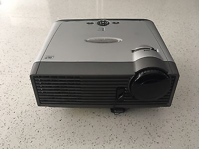 Optoma DX733 DLP Projector