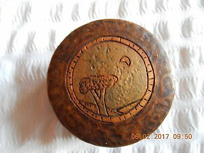 TREEN ANTIQUE DECORATED WOODEN SNUFF BOX c1920