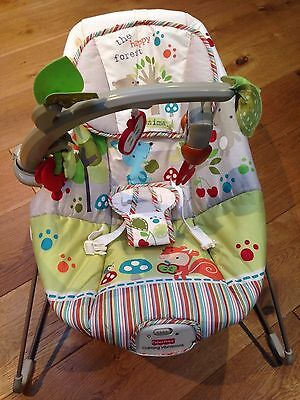 Fisher Price Woodsy Friends Comfy Time Bouncy Chair / Bouncer / Vibrating