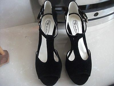 Ladies New Suede Shoes size 5