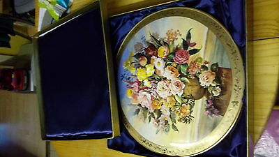 Royal Albert plate. Collectible item.