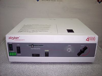 Stryker 220-170-000 Quantum 4000 Endoscopy Light Source