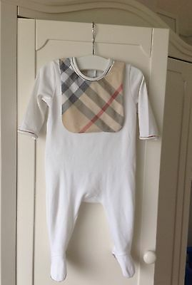 BURBERRY SUIT BABYGROW WITH BIB IN BOX £95 worn once 3 months SELFRIDGES