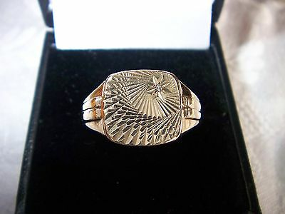 Mens Extremely Heavy 9 Carat Gold Signet Ring 7.2 Grams  With Set With A Diamond
