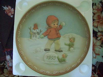 Precious Moments Plate, Memories Of Yesterday, Dated Piece, 1993 Snow Scene, Box
