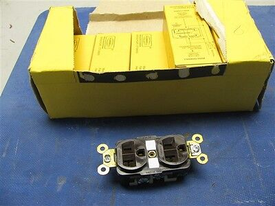 (8) HBL5362 Hubbell Straight Blade Duplex Receptacle 2pole 3 wire 20A 125V