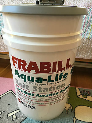 Frabill Portable Live Bait Bucket Aerator Pump Livewell Ice Fishing Minnow 1409