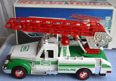 Hess -1994 Rescue Truck w/Coupon EmergencySiren,Horn,Back-Up,Head&TailLights NIB