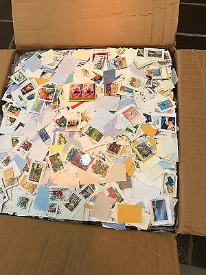 BULK AUSTRALIAN STAMPS ON And OFF PAPER - 1000 Plus  -  Good Variety
