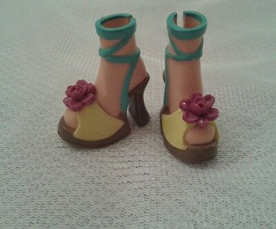 Barbie My Scene Kennedy Jammin' in Jamaica original Shoes.