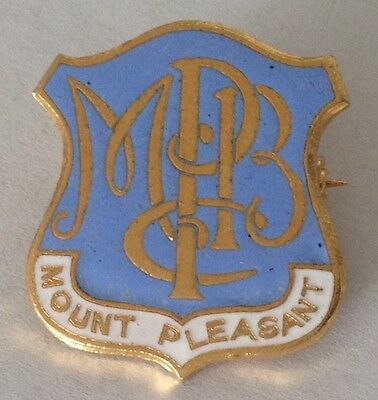 Mount Pleasant Bowling Club Badge Rare Vintage (L3)