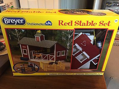 Breyer Stablemates Red Stable Set in box