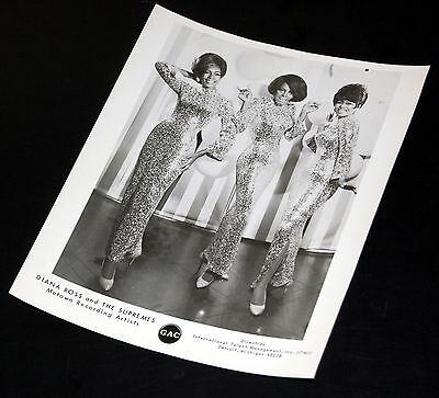 1960's THE SUPREMES Diana Ross Full Body Shot Vintage 8x10 Press Photo Motown