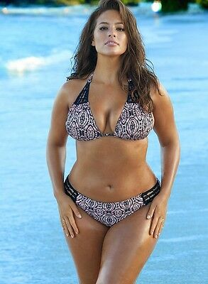 ASHLEY GRAHAM PHOTOGRAPH 23 - quality glossy A4 print