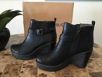 NEW IN BOX ~Amberia By JBU Cutout Wedge Boots ~ Black ~ SIze 10