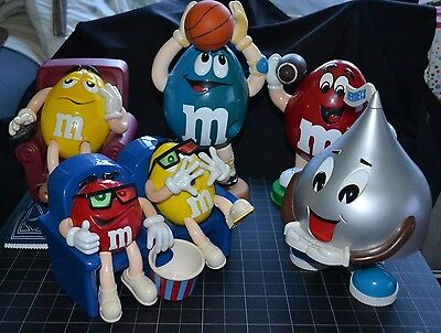 """4-""""Official""""M&MCollectibles(1999Recliner/Movie/Sports & 1-HersheyKissesDispenser"""