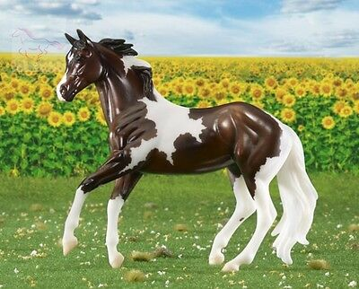 Breyer 62116 Harper - Tobiano Pinto - 2016 Horse of the Year