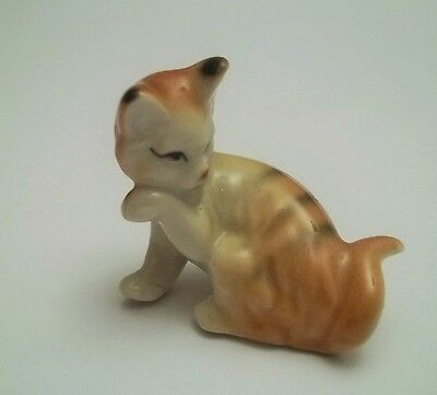 chat miniature en porcelaine,collection,animal,, cat, kat, poes   B2-21