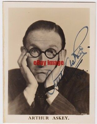Music hall, comedian, actor Arthur Askey. Signed photo