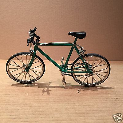 Diecast 1/6 Green Mountain Bicycle - Brakes and Pedals Working!