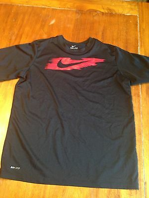 Boys Nike Dri Fit t-shirt. Black and red. Size XL. EUC.