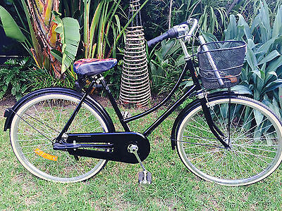 20″ LADIES RETRO STYLE BIKE by The Classic Bicycle Shop - 3 Speed