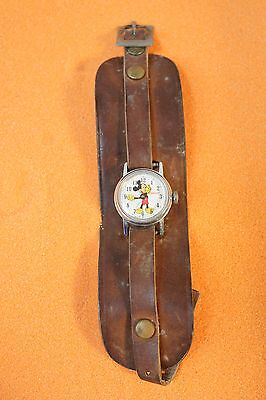 Vintage Mickey Mouse Quartz Watch Ingersoll  1940  b4