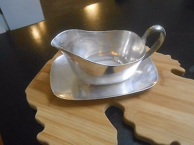 Reed & Barton 'Embassy' Silverplate Gravy Boat with Underplate