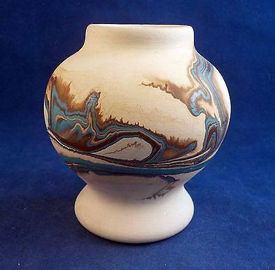 Nemadji Clay Pottery Small Vase Southwestern Swirled Design Beige Brown Blue -a4