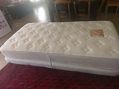 Relaxomatic electric bed